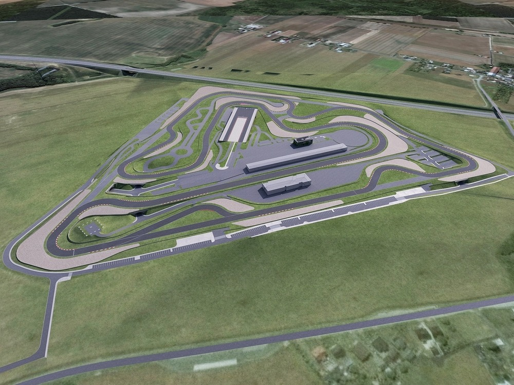 Polonia Racing park.jpg