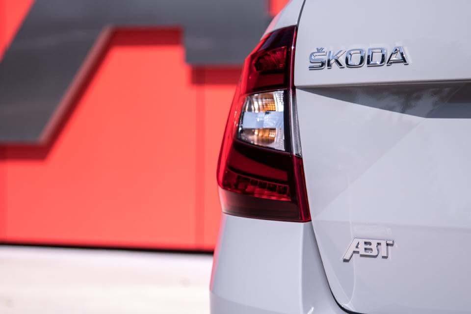 Skoda Octavia Combi RS 315 ABT (4).jpg